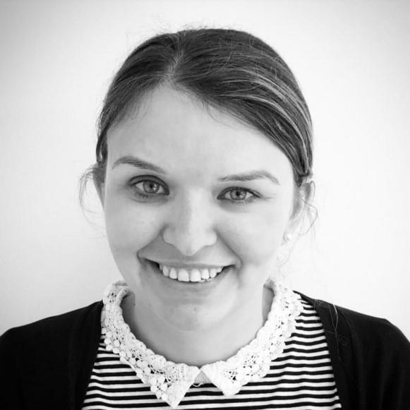 Professional headshot black and white of Jenna Horsfield