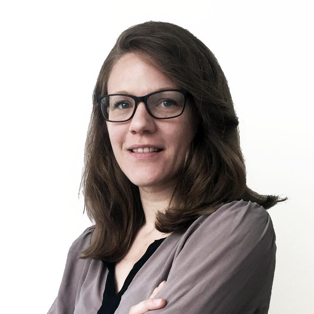 Professional headshot of Lisa Hornung